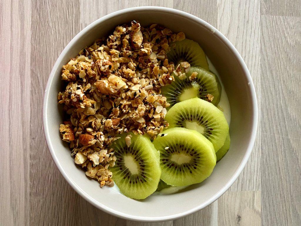 granola kiwi