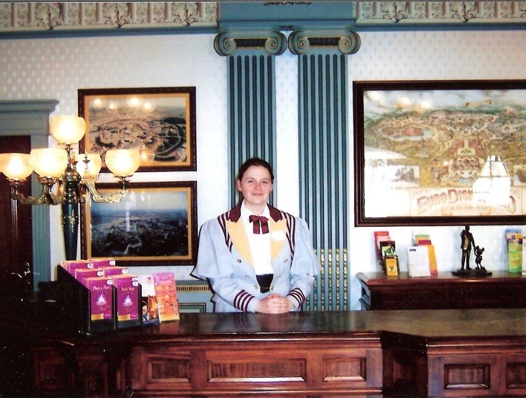 City Hall cast member - Werken in Disneyland Parijs