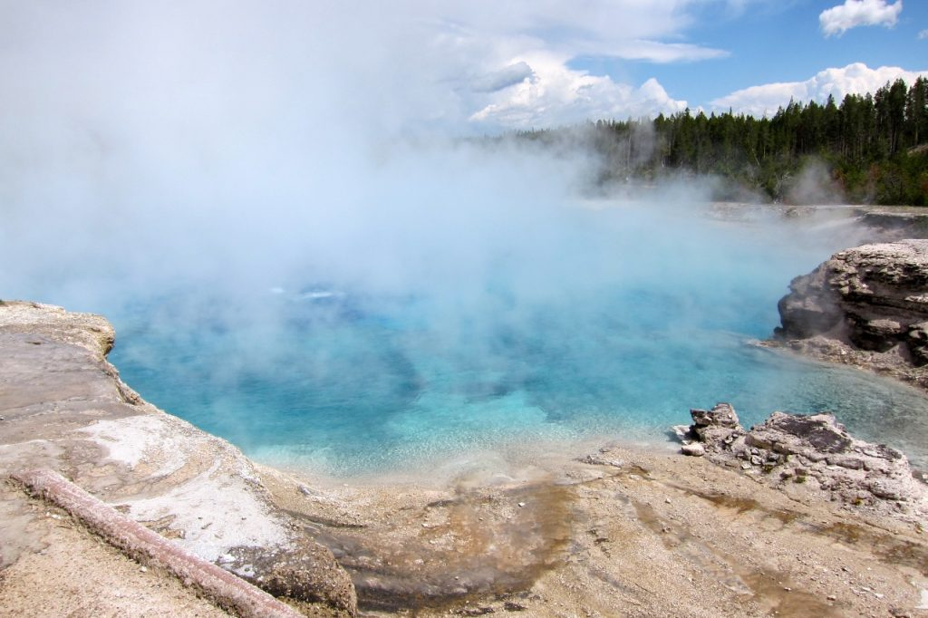 excelsior geyser crater yellowstone national park