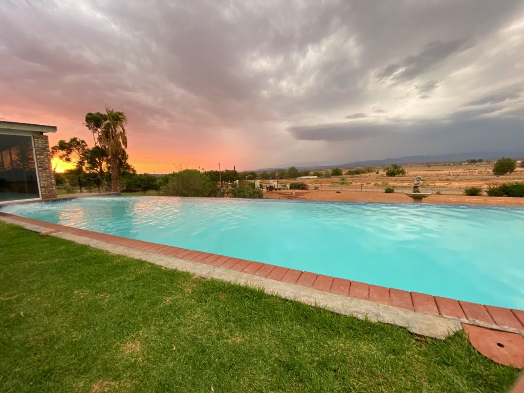 panoramazwembad mooiplaas country guesthouse oudtshoorn