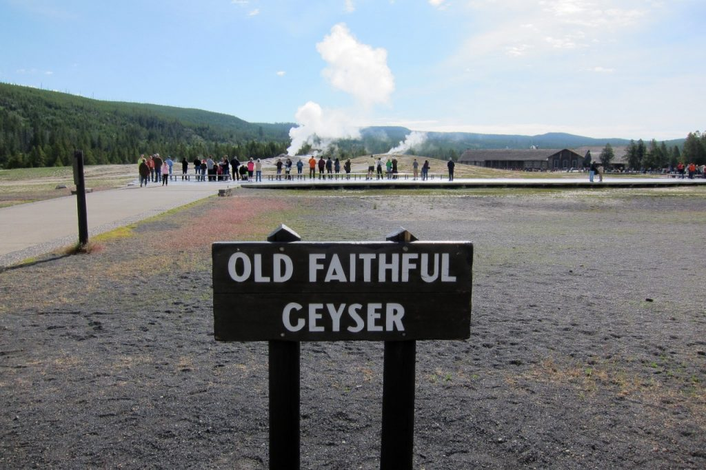 tips om yellowstone te bezoeken old faithful