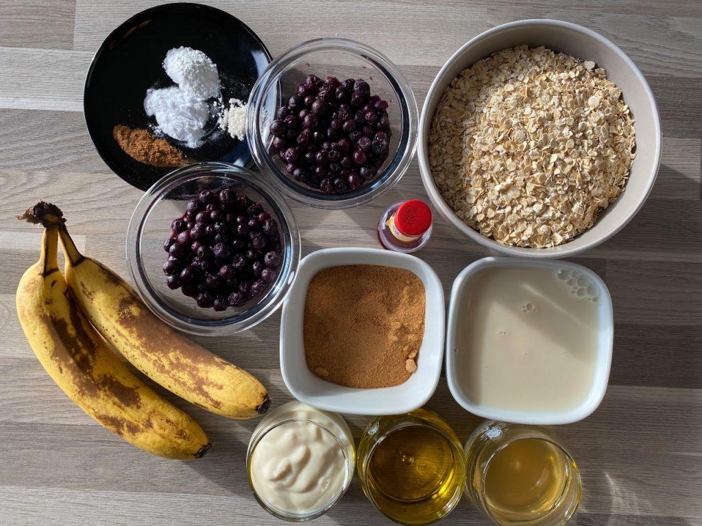 vegan muffins met banaan en blauwe bessen ingrediënten