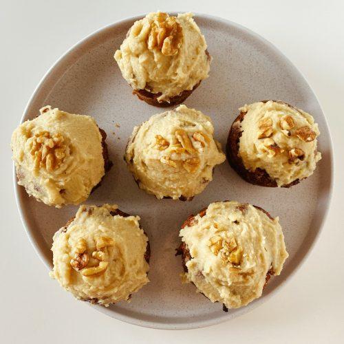 vegan worteltaart muffins walnoten