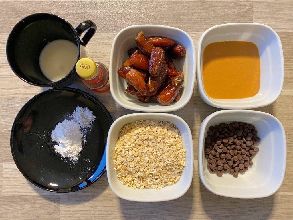 vegan havermoutkoekjes met dadels en pindakaas ingrediënten