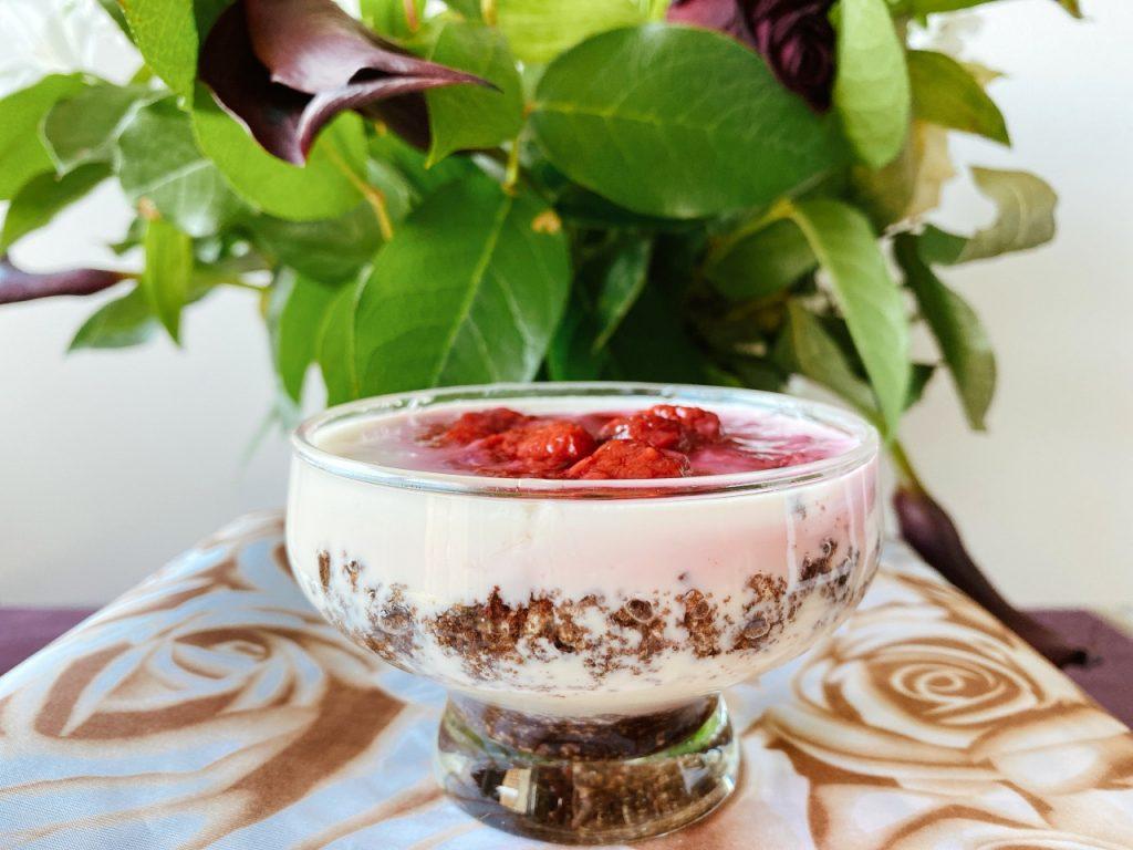vegan yoghurt met oreo en frambozen Valentijn