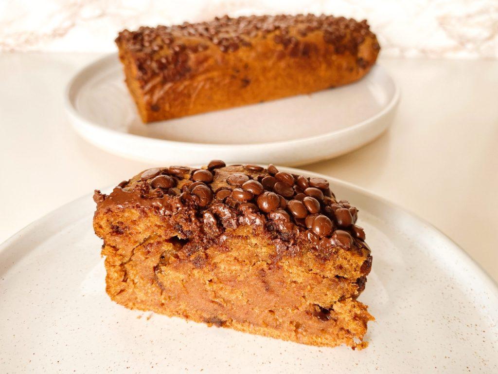 vegan cake met chocoladedruppels