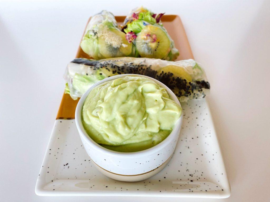 fruitige lenterolletjes met avocado dip