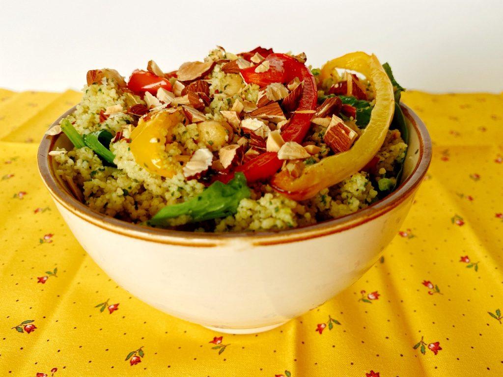Couscous met verse kruiden en kikkererwten