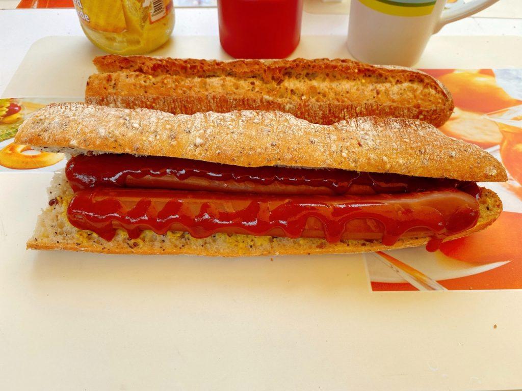 Taifun Tofu Fumesse hot dog