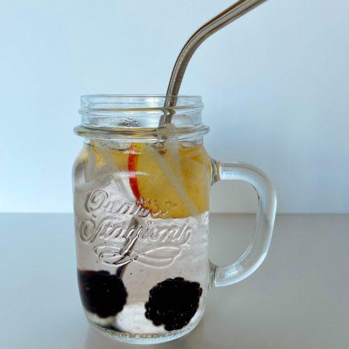 fruitwater met appel en braambessen maken