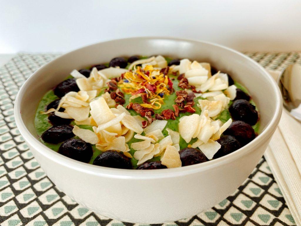 gezonde groene smoothie bowl